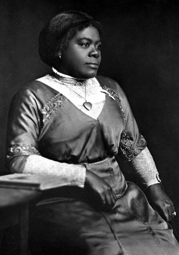 Portrait de Mary McLeod Bethune, Daytona Beach, Floride, vers 1915, avec l'aimable autorisation des State Archives of Florida (Archives d'État de Floride), Florida Memory.
