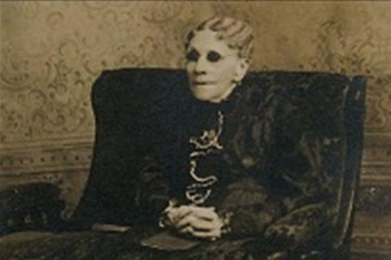 Hymn writer Fanny Crosby, circa 1915. Image in the public domain.