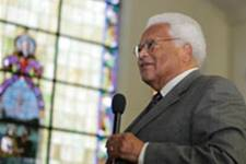 The Rev. James Lawson speaks about nonviolence at First Baptist Church in Montgomery, Ala., the site of a 1961 confrontation between Freedom Riders and an angry mob. 2009 file photo by Kathy L. Gilbert,  United Methodist News Service.