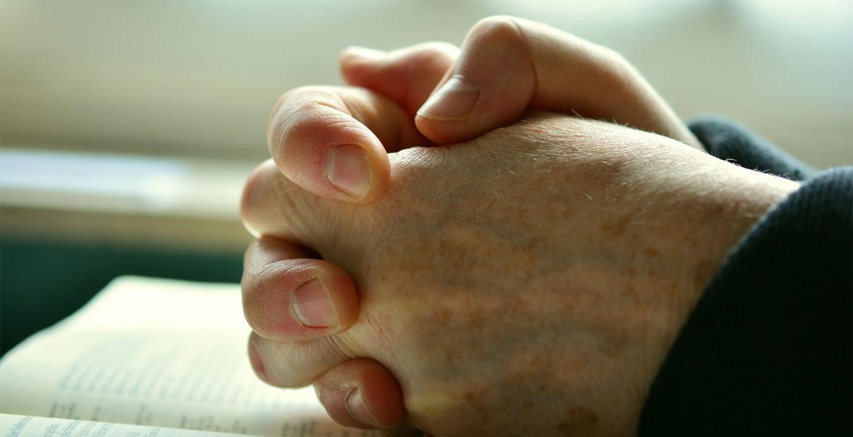 Les méthodistes unis jurent de maintenir leur congrégation par leurs prières, mais ce n'est pas toujours clair ce que cela signifie. Photo via Pixabay.com, CC0 Creative Commons.