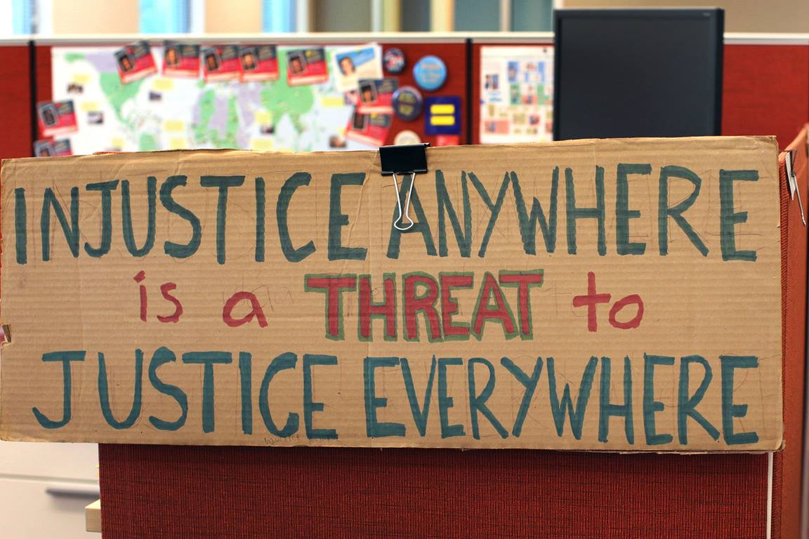 A sign with an MLK quote about justice is seen in an office at the Global Ministries agency in Atlanta. Photo by Kathleen Barry, United Methodist Communications.