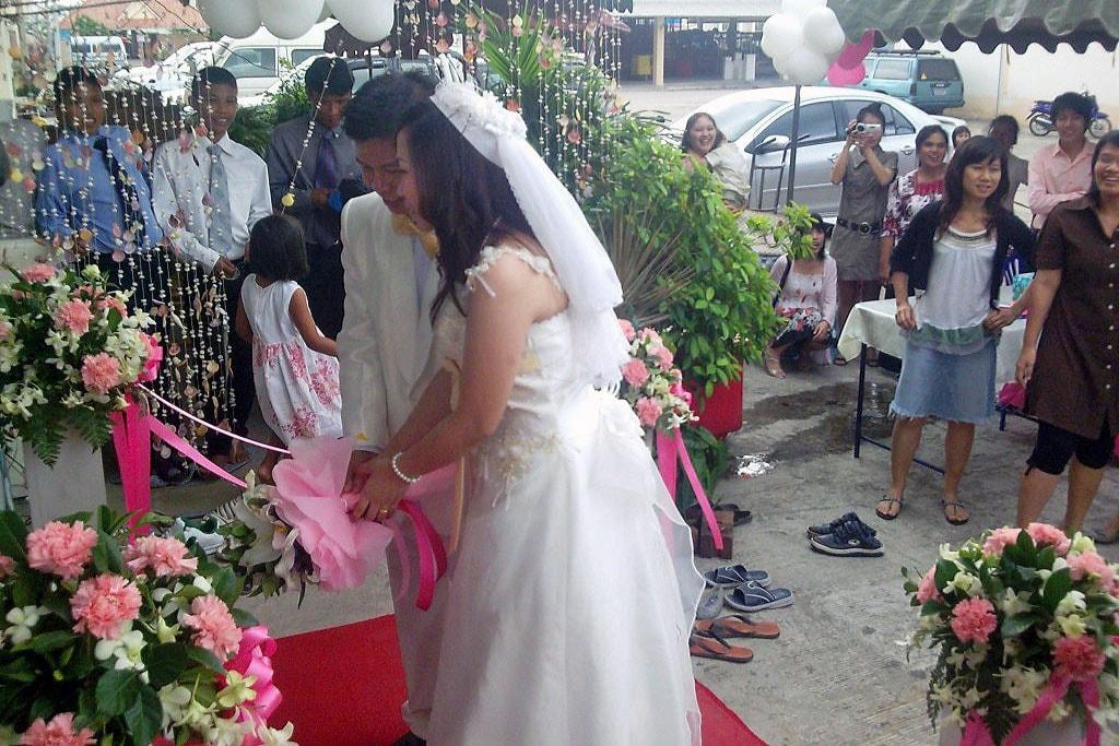 La congregación reunida para una boda representa la comunidad de fe que apoyará a la pareja en su matrimonio. Una foto de United Methodist Communications, cortesía de Mike y Sherri Morrise