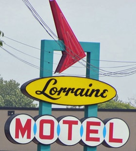 Ester witnessed King's assassination outside the Lorraine Motel, April 4, 1968. Photo by Chris Light via Wikimedia Commons.