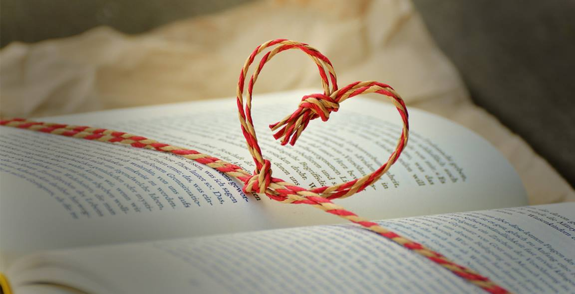 United Methodists have many choices of books to give to their mom, dad, and graduate. Photo by congerdesign via Pixabay.com, CC0 Creative Commons.