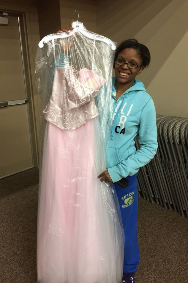Charysma Smoot shows off her pink prom gown. Photo courtesy of Prom Boutique.