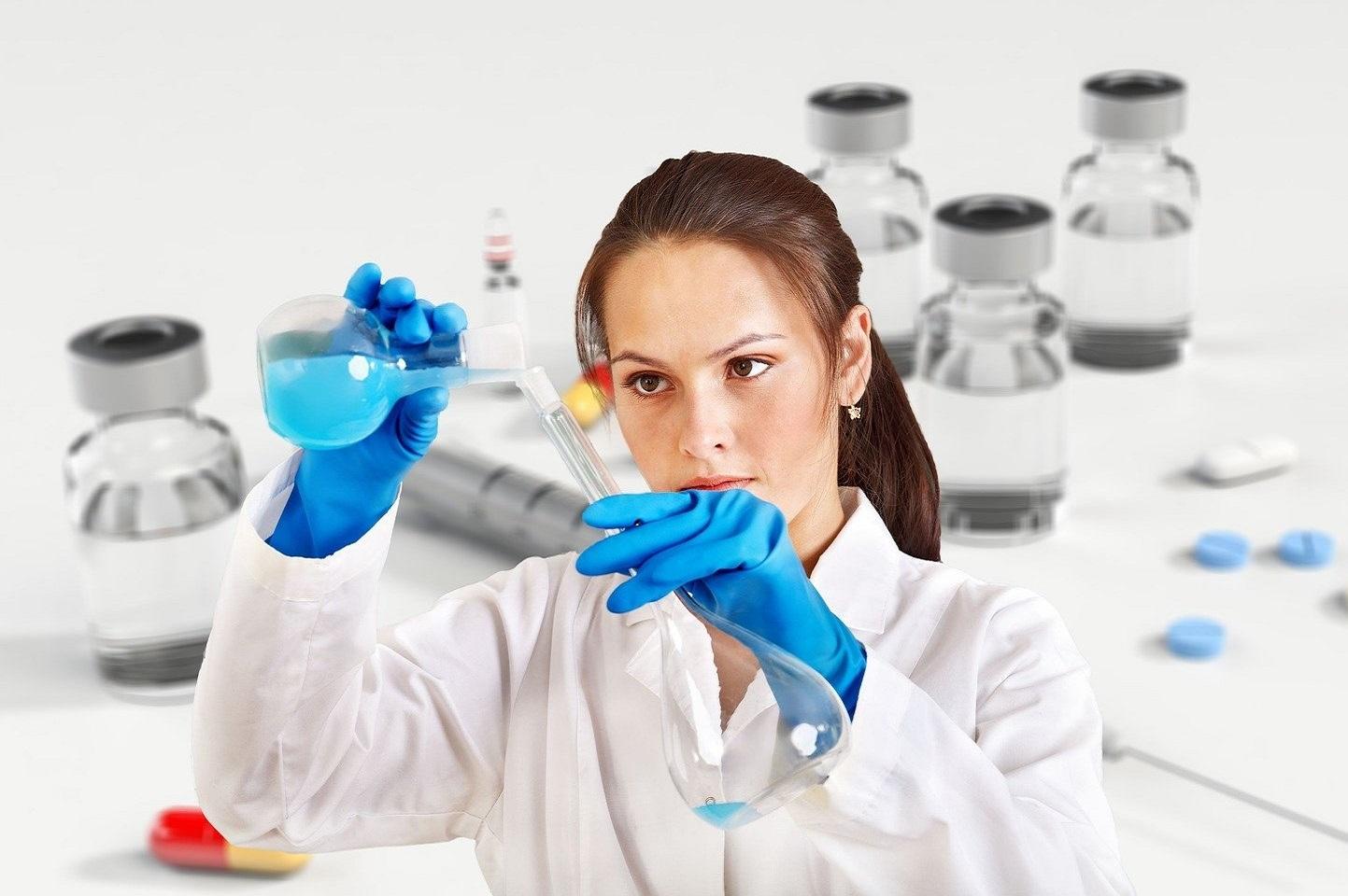 Dieu de la connaissance et de la sagesse, nous vous demandons de rester avec tous les scientifiques qui travaillent quotidiennement pour développer un vaccin efficace et sûr pour lutter contre ce virus. Image par Gerd Altman de Pixabay.