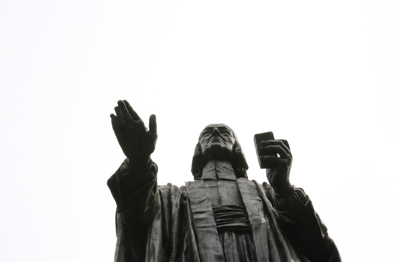 John Wesley Statue in London