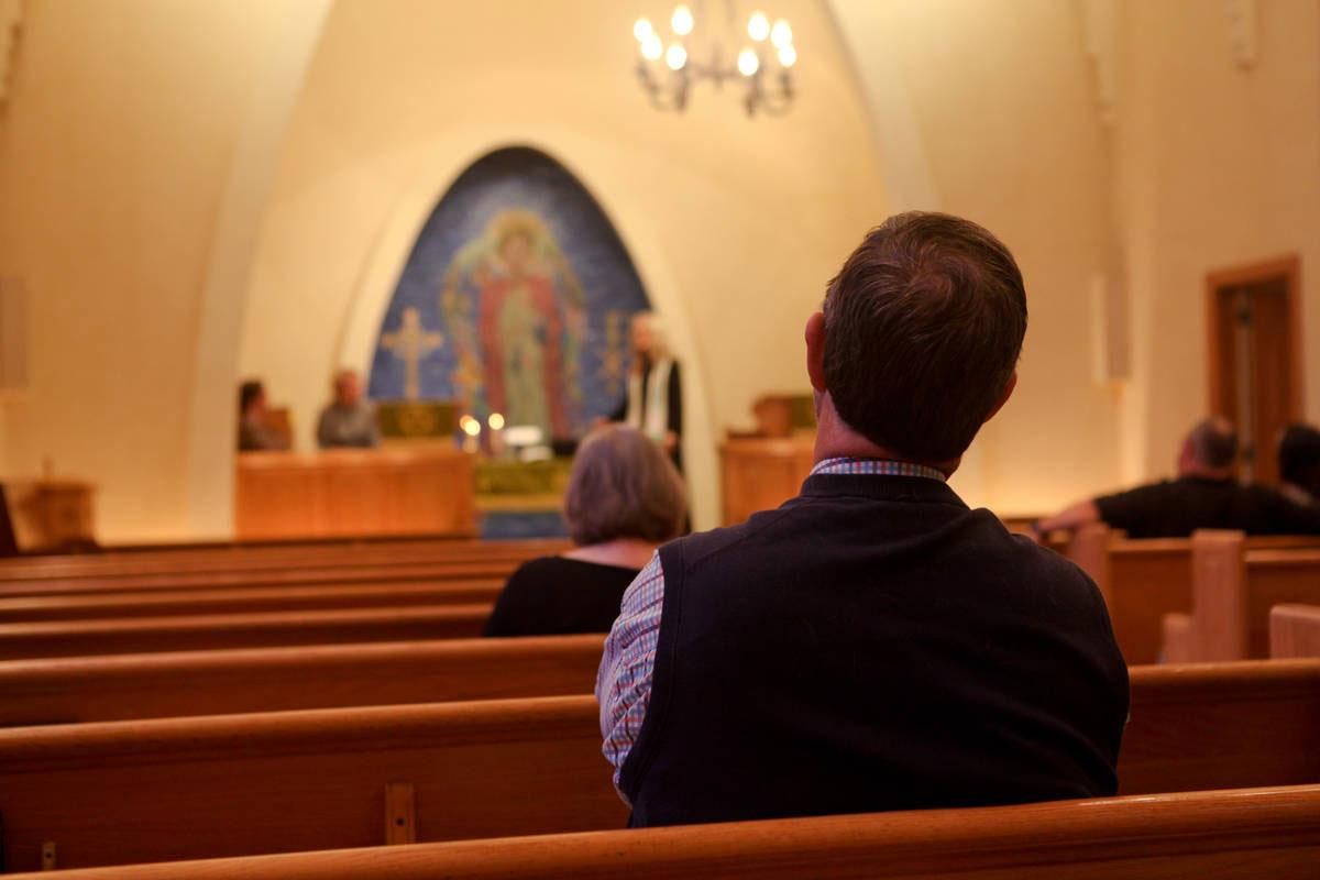 Lorsque vous revenez au culte, préparez-vous aux changements, y compris aux différentes dispositions concernant les sièges. Photo de fichier par Charity Ponter.