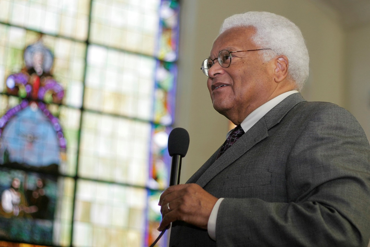 The Rev. James Lawson speaks about nonviolence at First Baptist Church in Montgomery, Ala., the site of a 1961 confrontation between Freedom Riders and an angry mob. The visit to the church was part of the March 6-8 congressional civil rights pilgrimage to Alabama. Lawson was one of several United Methodist leaders participating in trip sponsored by the Faith and Politics Institute. A UMNS photo by Kathy L. Gilbert