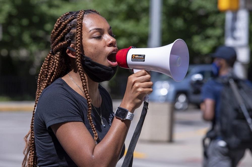 Taylor Hall, une étudiante d'Indianapolis âgée de 19 ans, pense que son appel est d'utiliser sa voix pour ceux qui ne peuvent pas se défendre. Photo gracieuseté de Taylor Hall.