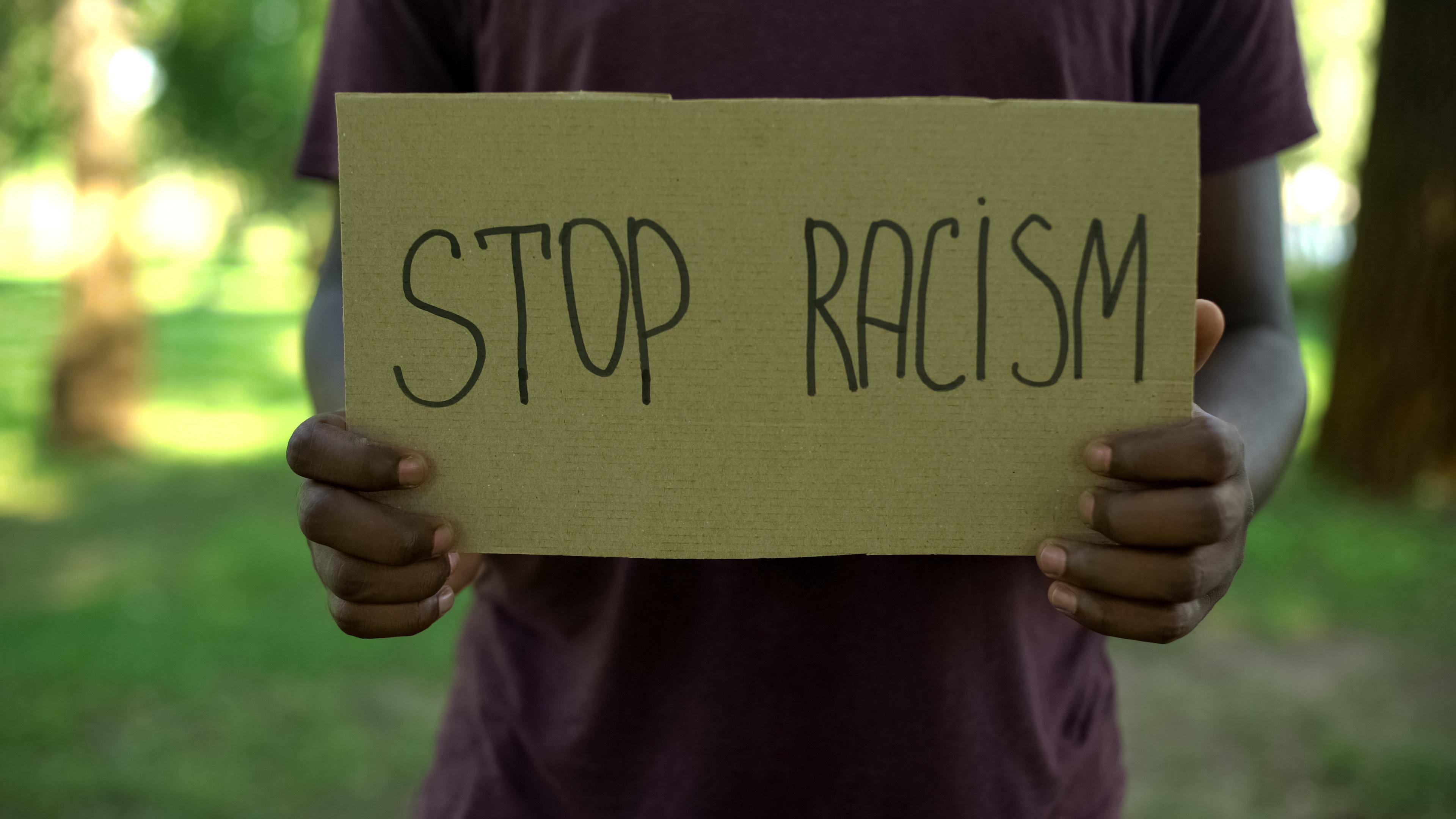 El llamado a repasar la historia del racismo y sus efectos hoy