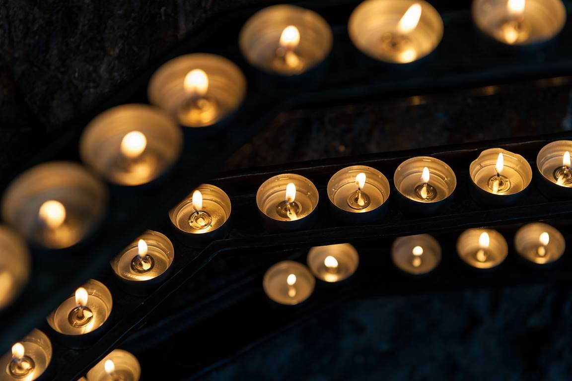 Watch night candles by Pexels for Pixabay