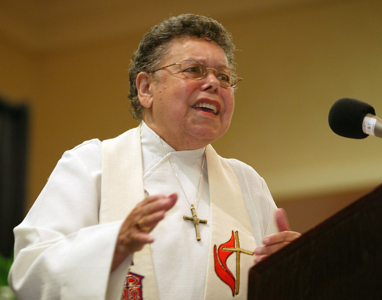 United Methodist Bishop Leontine Turpeau Current Kelly preaches during evening worship at the first reunion of the former Central Jurisdiction of the Methodist Church in College Park, Ga., in 2004. Kelly died at age 92 on June 28, 2012.  File photo by Mike DuBose, UM News.