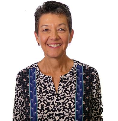 킴 심슨은 텍사스주 알링턴의 성바나바연합감리교회의 교인이다.