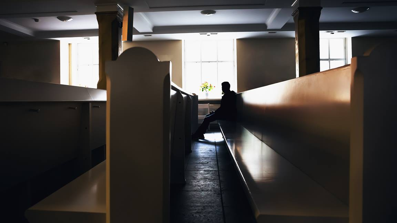 É necessário ir à igreja?
