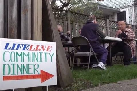 Lifeline Toledo, a United Methodist congregation in Ohio, welcomes all to a weekly community dinner.